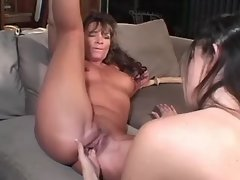 Lesbo cutie fingering and licking lesbian xxx