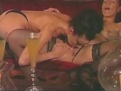 Lesbian licking and dildoing pussy lesbian xxx